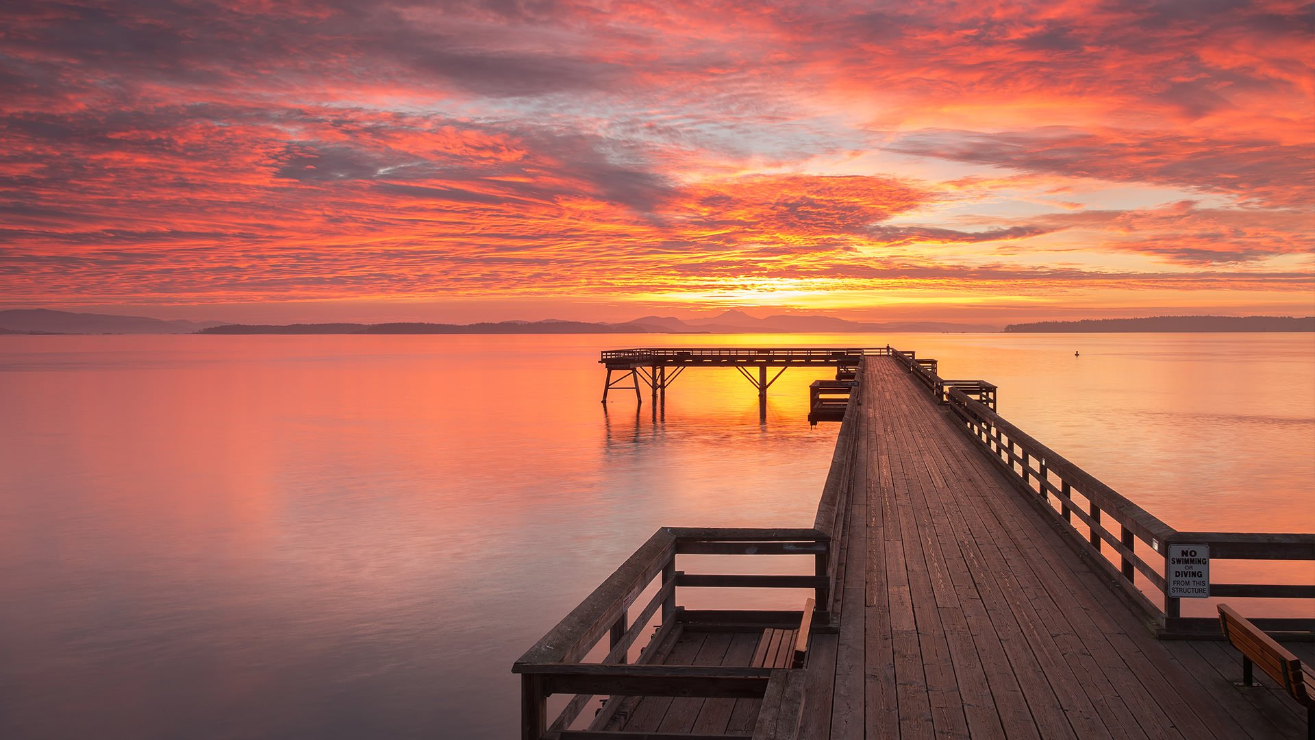 saanich-sidney-pier-sunset